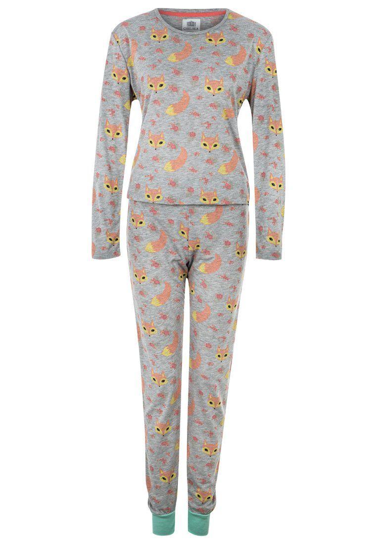 Tijd voor series: 3 heerlijke bank-hang-outfits voor koude en natte dagen!